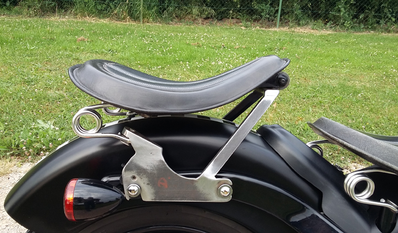 "Selle passager ressorts amovible pour ""Black Bobber Dream"" - Page 3 Suppor10"
