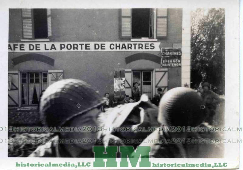 US GI PHOTO IN FRANCE NEAR CHARTRES Chartr14