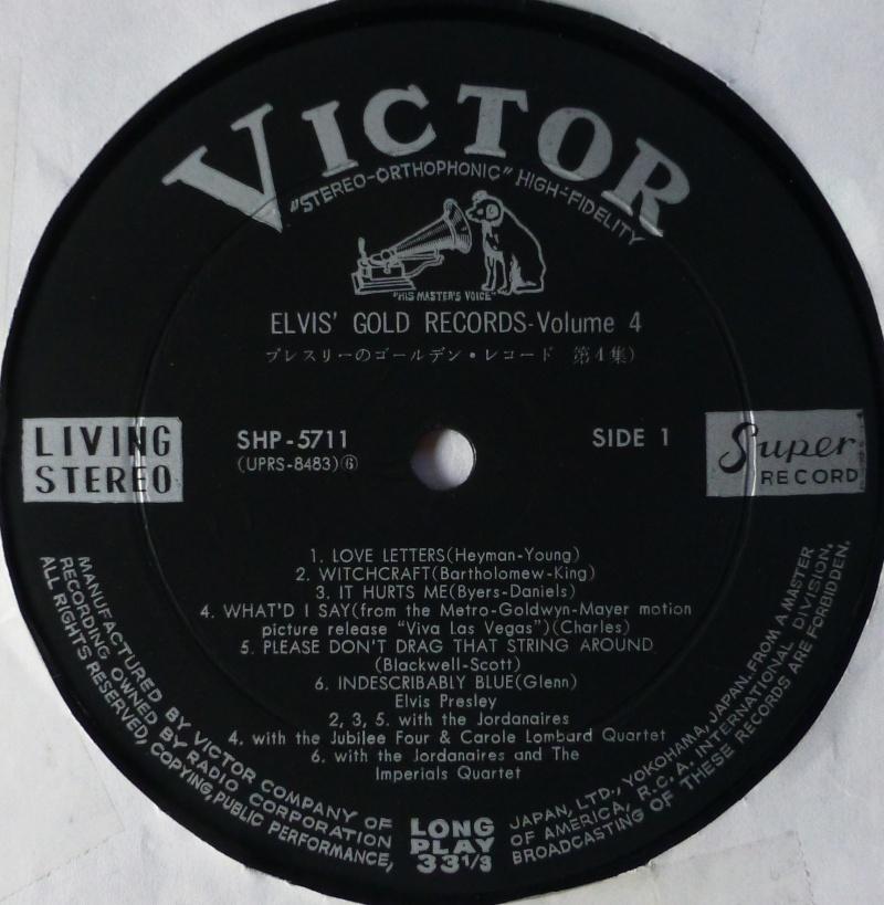 Elvis' Gold Records Volume 4 P1060828
