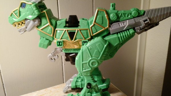 Jouets Power Rangers Dino Charge - Page 6 0215
