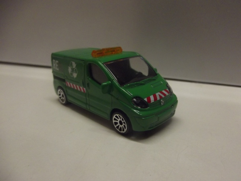N°239B Renault Trafic Dscf0914