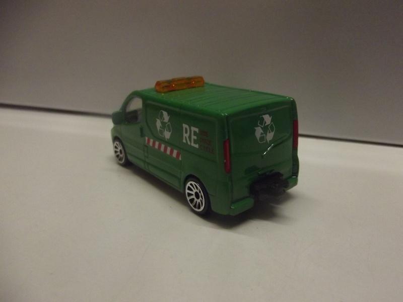 N°239B Renault Trafic Dscf0915