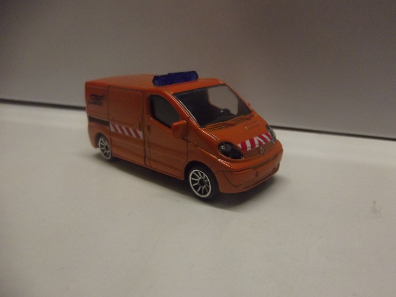 N°239B Renault Trafic Dscf0916