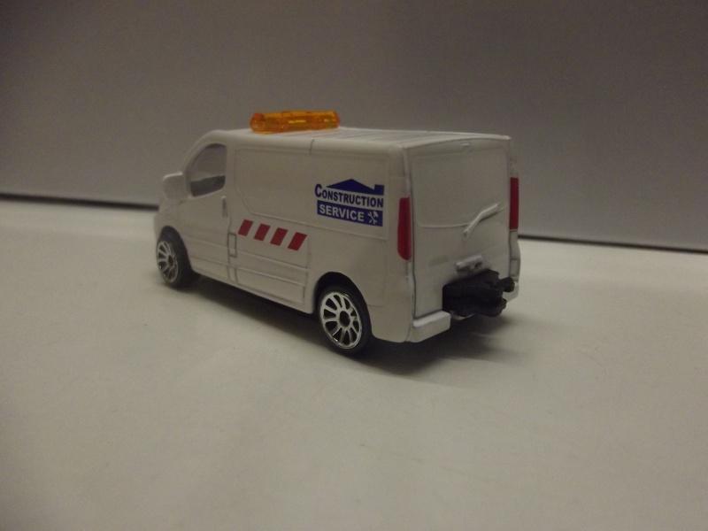 N°239B Renault Trafic Dscf0919