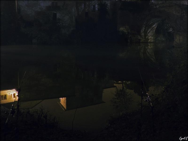Pêche durant une nuit brumeuse P1030513