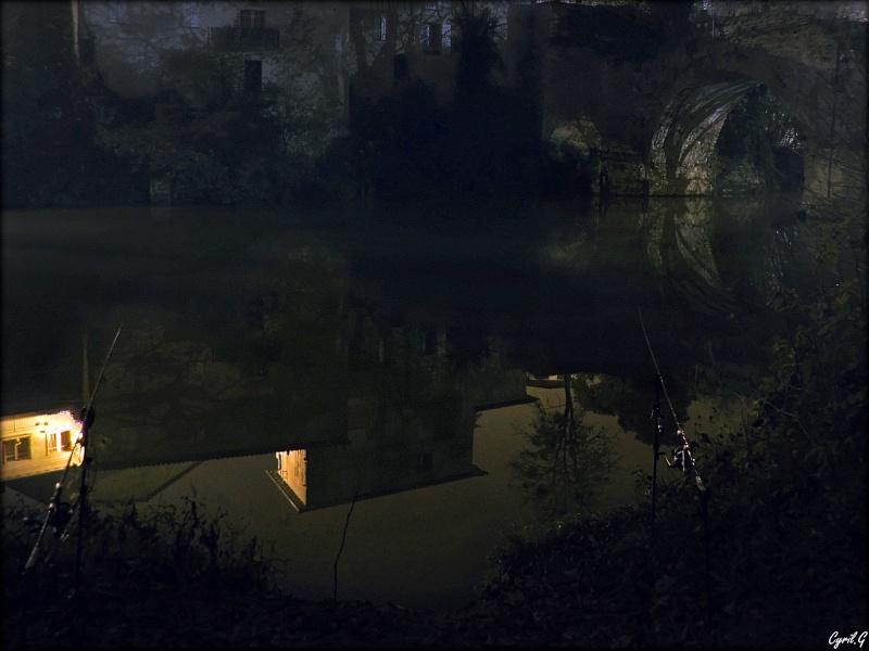 Pêche durant une nuit brumeuse P1030516