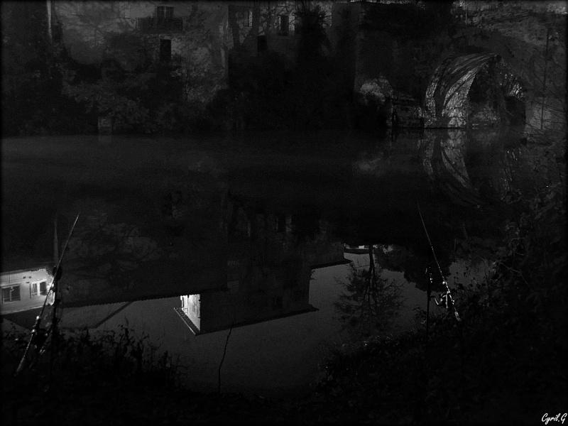 Pêche durant une nuit brumeuse P1030517