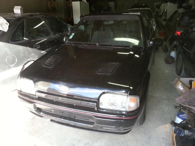 Escort xr3i noire de 1987 20130631