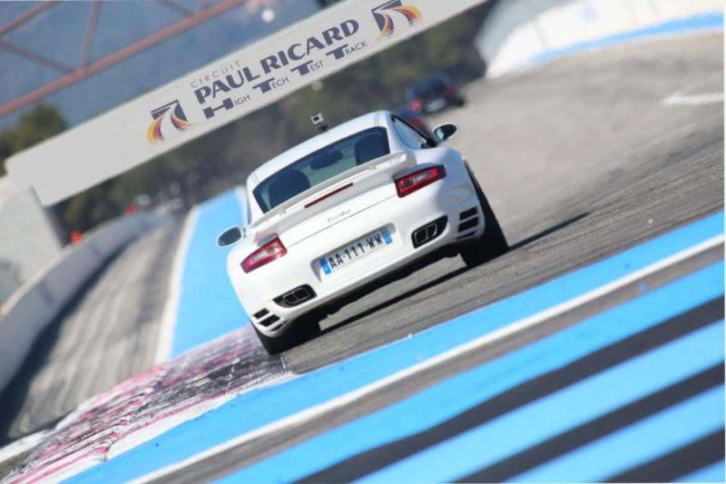 911 Turbo vs GT3 RS  Rear210