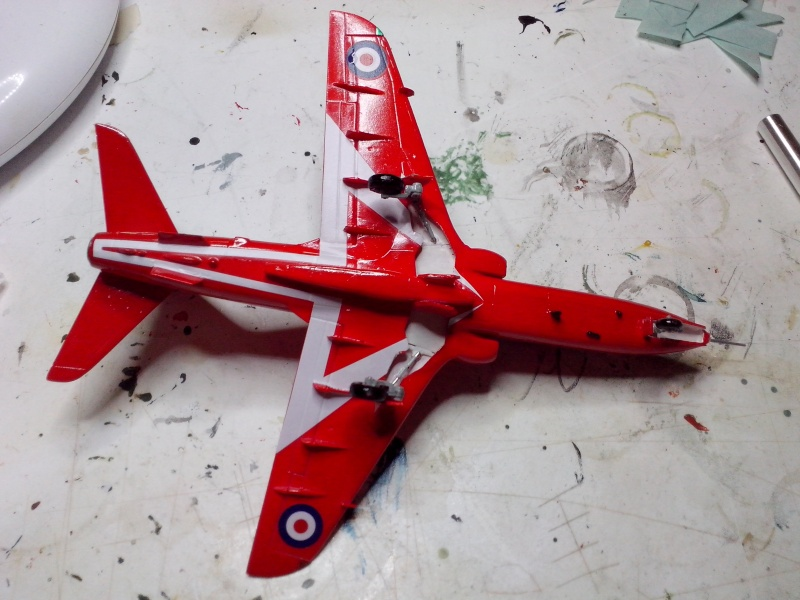 BAE HAWK des Red Arrows (revell) - Page 2 Img_2019