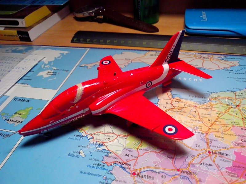 BAE HAWK des Red Arrows (revell) - Page 2 Img_2020
