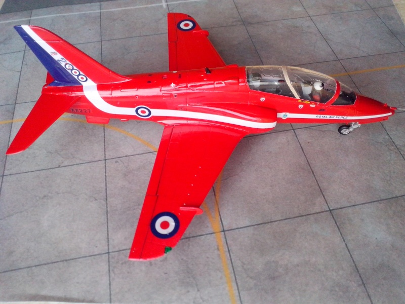 BAE HAWK des Red Arrows (revell) - Page 2 Img_2028
