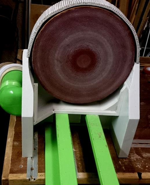 Disque de ponçage sur tour à bois avec aspiration renforcée Dsc_0216