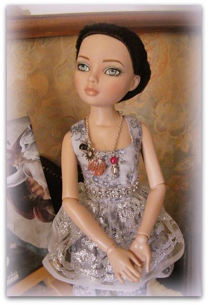 Mes poupées Ellowyne Wilde. De nouvelles photos postées régulièrement. - Page 14 00115