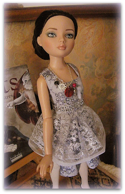 Mes poupées Ellowyne Wilde. De nouvelles photos postées régulièrement. - Page 14 00211