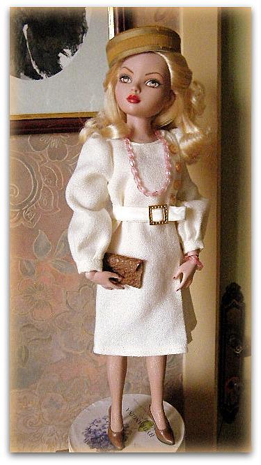 Mes poupées Ellowyne Wilde. De nouvelles photos postées régulièrement. - Page 15 00320