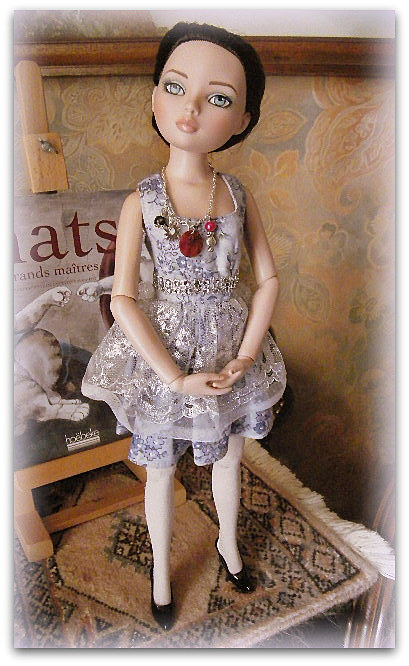Mes poupées Ellowyne Wilde. De nouvelles photos postées régulièrement. - Page 14 004-0010