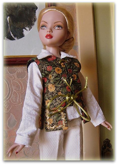 Mes poupées Ellowyne Wilde. De nouvelles photos postées régulièrement. - Page 15 01014