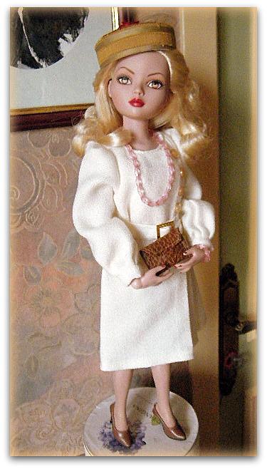 Mes poupées Ellowyne Wilde. De nouvelles photos postées régulièrement. - Page 15 01216