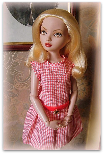 Mes poupées Ellowyne Wilde. De nouvelles photos postées régulièrement. - Page 14 01611