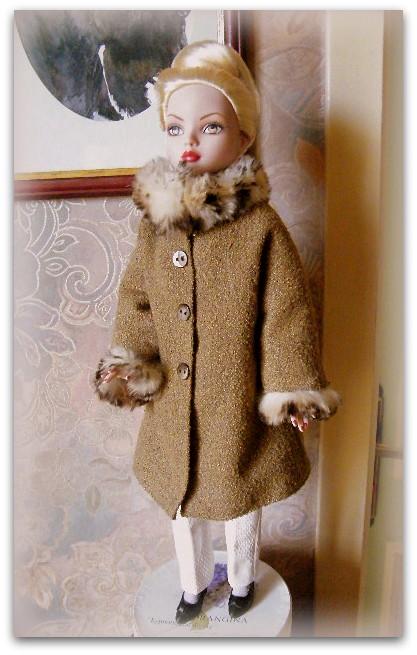 Mes poupées Ellowyne Wilde. De nouvelles photos postées régulièrement. - Page 15 01711