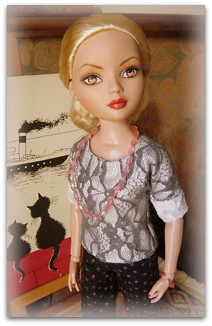 Mes poupées Ellowyne Wilde. De nouvelles photos postées régulièrement. - Page 15 01713