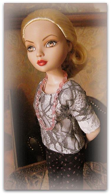 Mes poupées Ellowyne Wilde. De nouvelles photos postées régulièrement. - Page 15 01912