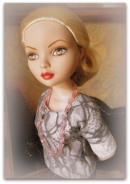 Mes poupées Ellowyne Wilde. De nouvelles photos postées régulièrement. - Page 15 02011