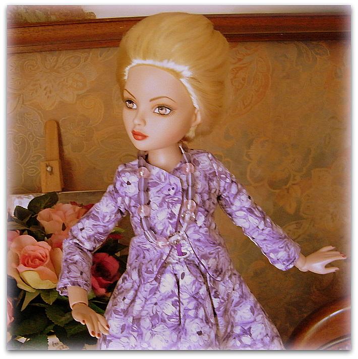 Mes poupées Ellowyne Wilde. De nouvelles photos postées régulièrement. - Page 7 0241710