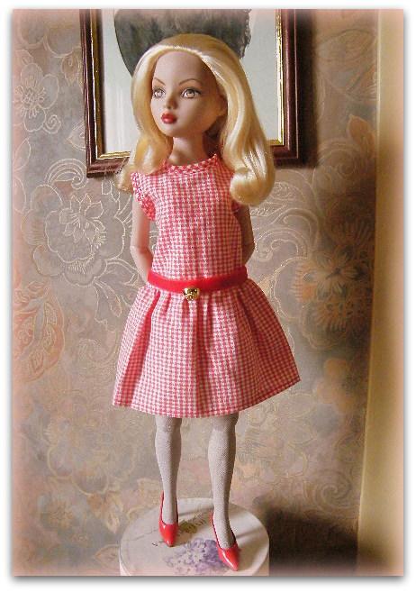 Mes poupées Ellowyne Wilde. De nouvelles photos postées régulièrement. - Page 14 02510