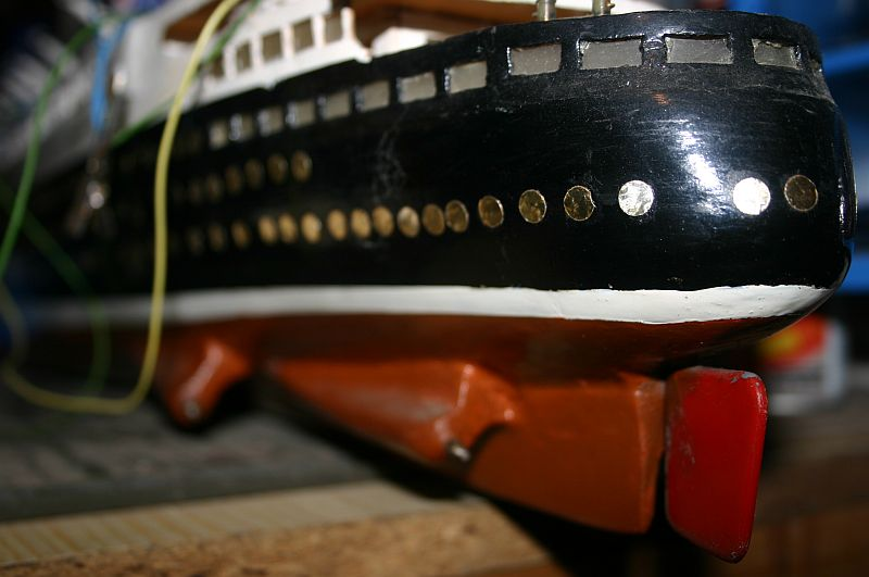 TS Bremen V - Restaurationsbericht zu einem alten Modellschiff in 1/200 1111