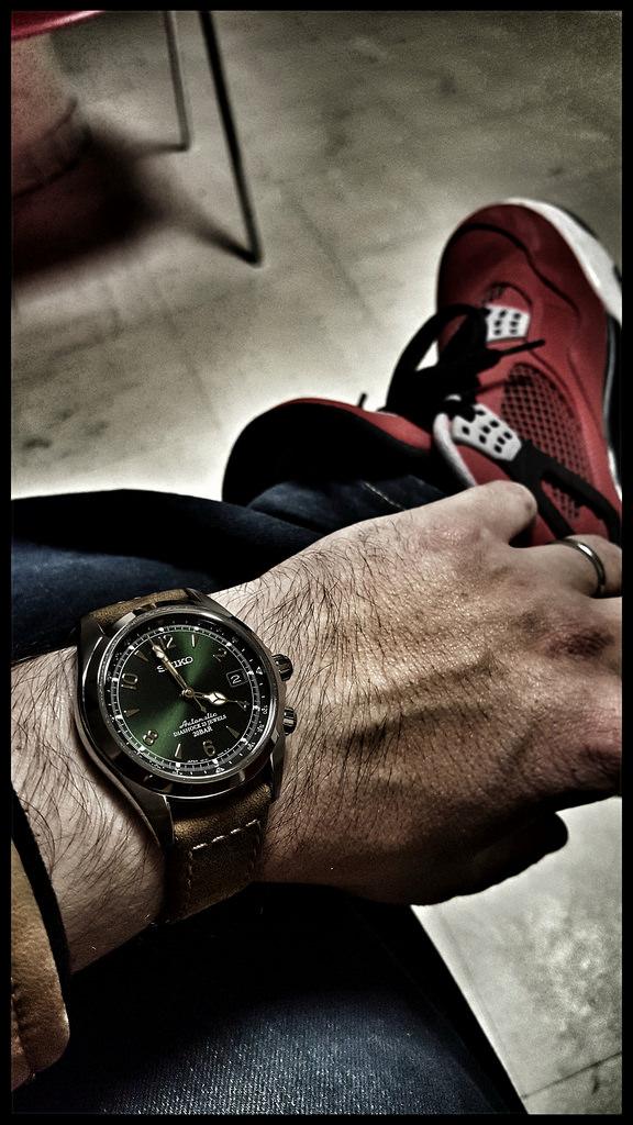 Le wrist-pocket-shoe wear topic multi-marques [tome IV] 24044310