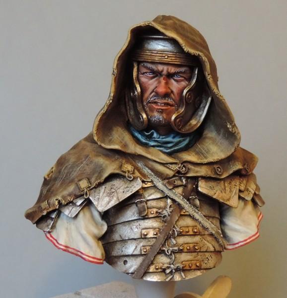 """Buste de légionnaire Romain """"Aquila""""... FINI ... Dscn2190"""