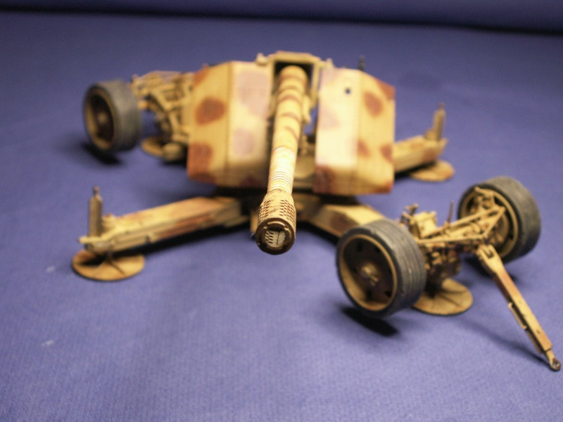 12,8 kanone de trumpeter 1:35  Pict0014