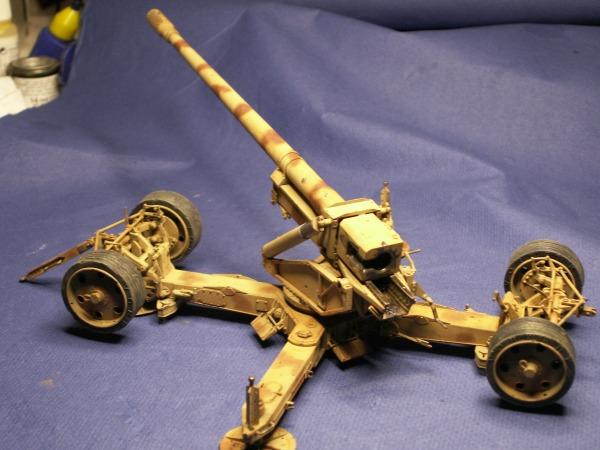 12,8 kanone de trumpeter 1:35  Pict0214