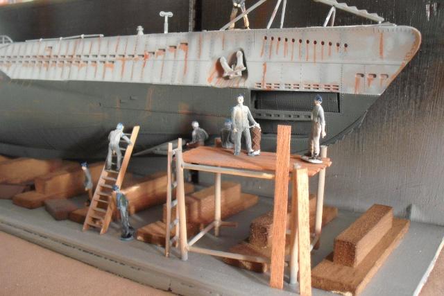 diorama d'un sous marin en cale sèche Dscf7036