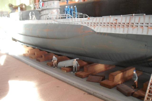 diorama d'un sous marin en cale sèche Dscf7037