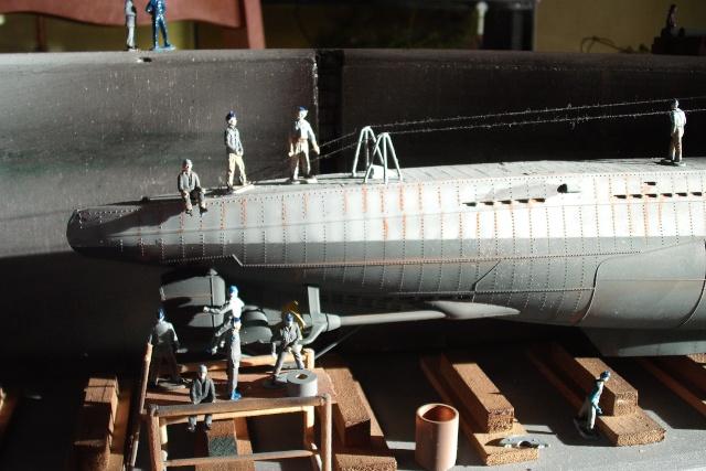 diorama d'un sous marin en cale sèche Dscf7038