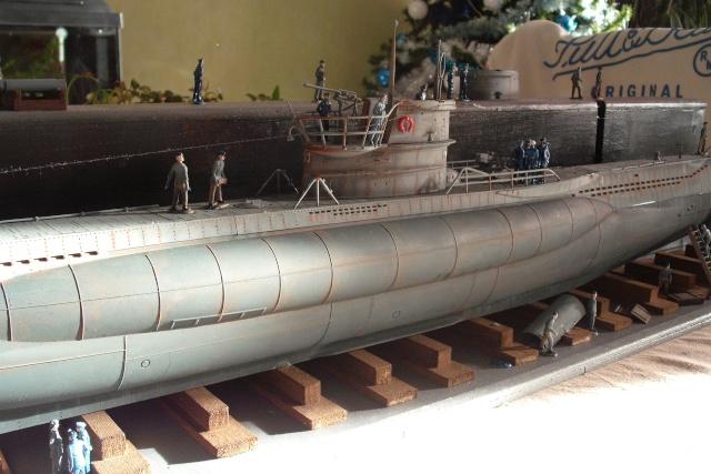 diorama d'un sous marin en cale sèche Dscf7039