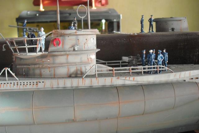 diorama d'un sous marin en cale sèche Dscf7040