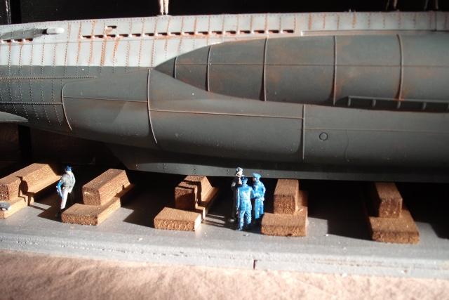 diorama d'un sous marin en cale sèche Dscf7041