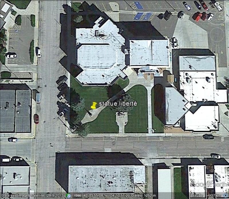 Statue de la Liberté = les répliques découvertes grâce à Google Earth - Page 6 K10