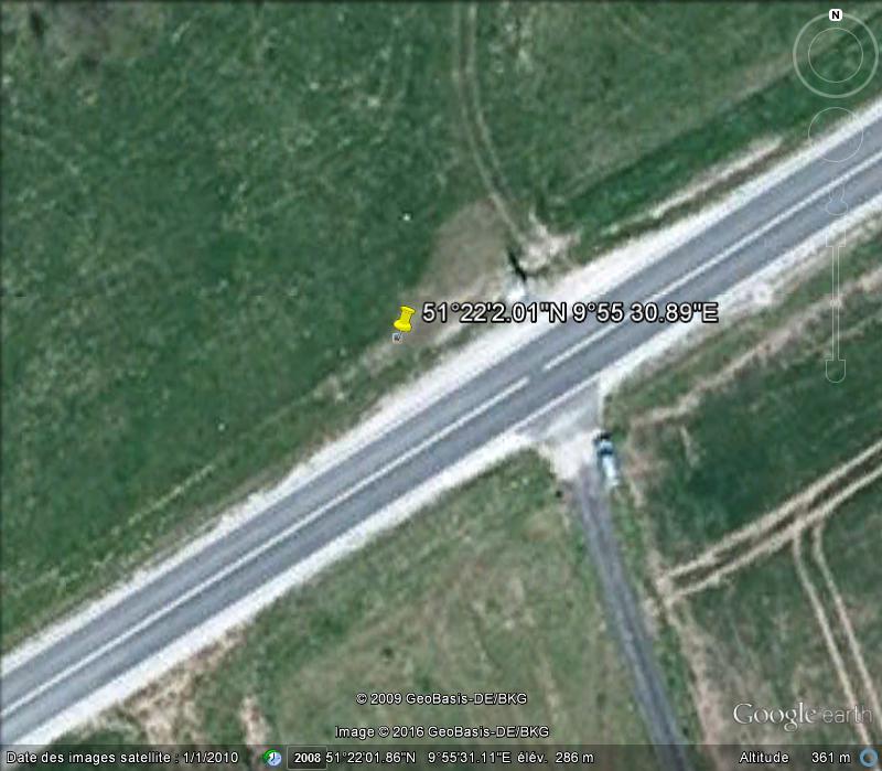 """Panneaux """"mémorial de la chute du rideau de fer entre les deux Allemagne (1393 km) """" K115"""