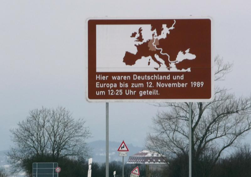 """Panneaux """"mémorial de la chute du rideau de fer entre les deux Allemagne (1393 km) """" K20"""