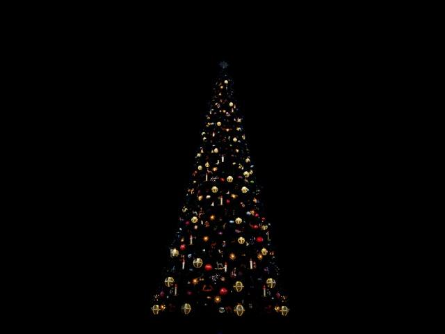 [SIMULATION] Illumination réaliste du Sapin de Noël de Disneyland Paris 00110