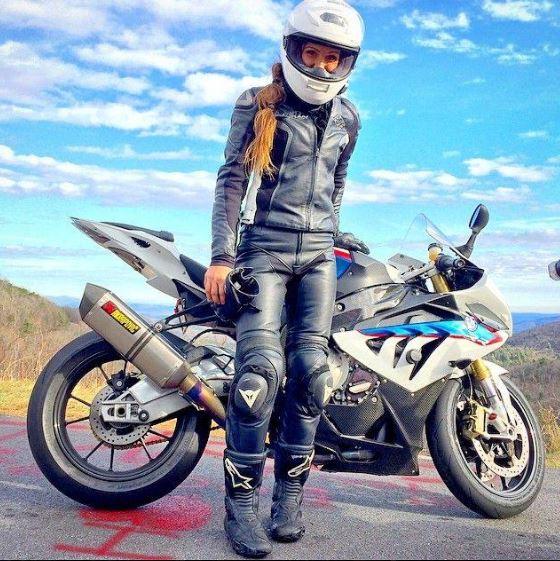 Femmes à moto - Page 2 12m10