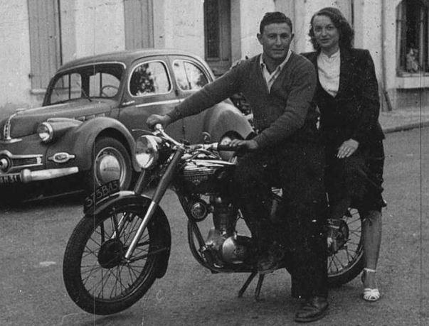 Motos d'époque - Page 2 V5910