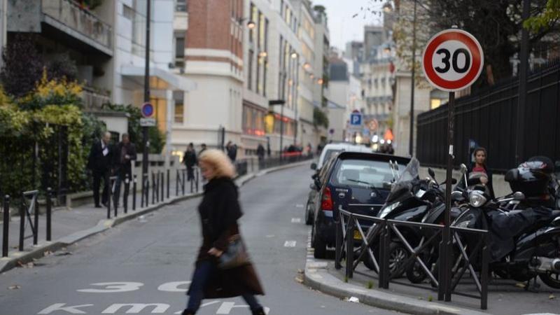 Paris accélère la mise en place des zones à 30 km/h. Xvm32210