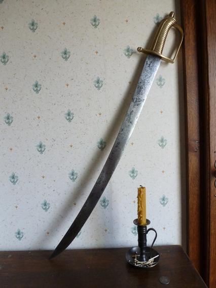 Identification ponçon sabre de grenadier P1080610