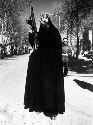 Témoignage de @Soraya2_S qui a fuit les ayatollahs pour survivre Adieu Téhéran Islam_11